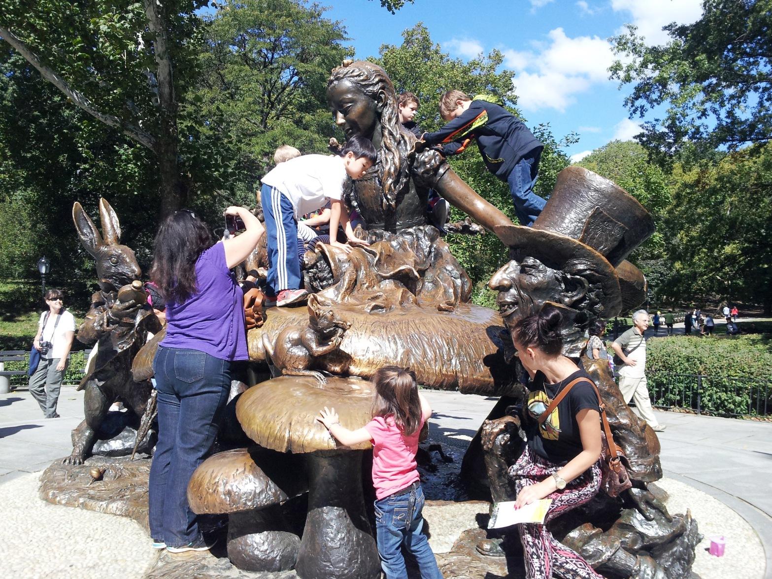 Central Park Alice in Wonderland Statue with Children